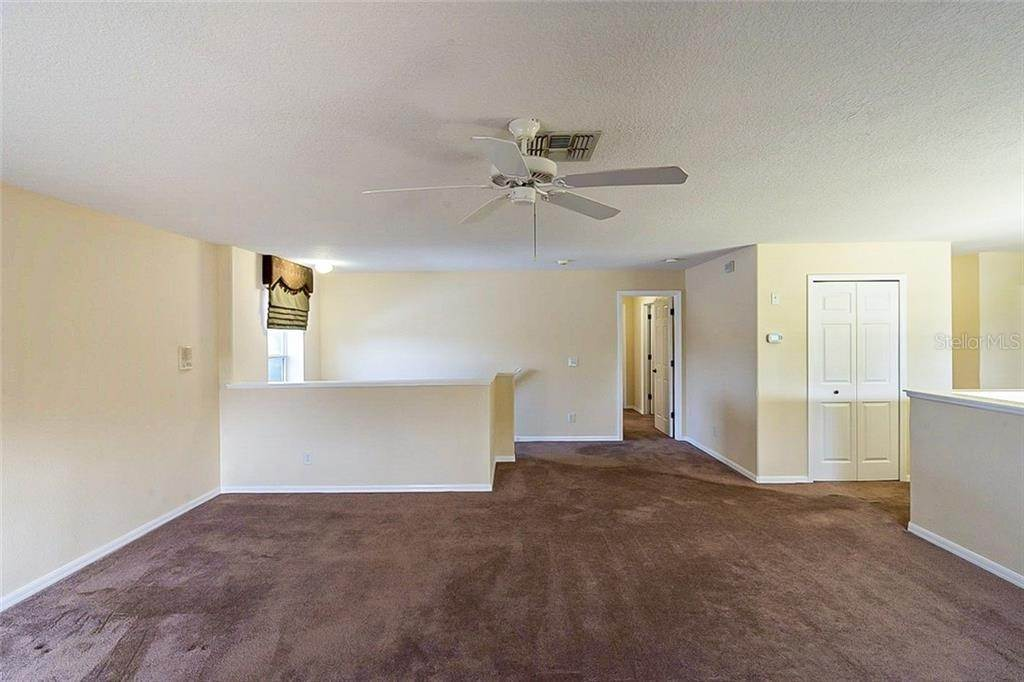 17. Single Family Homes for Sale at 949 BURLAND CIRCLE Winter Garden, Florida 34787 United States