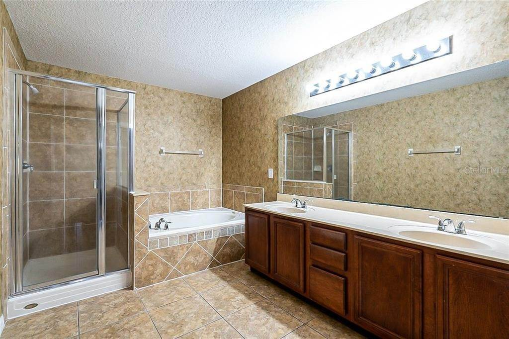 6. Single Family Homes for Sale at 949 BURLAND CIRCLE Winter Garden, Florida 34787 United States