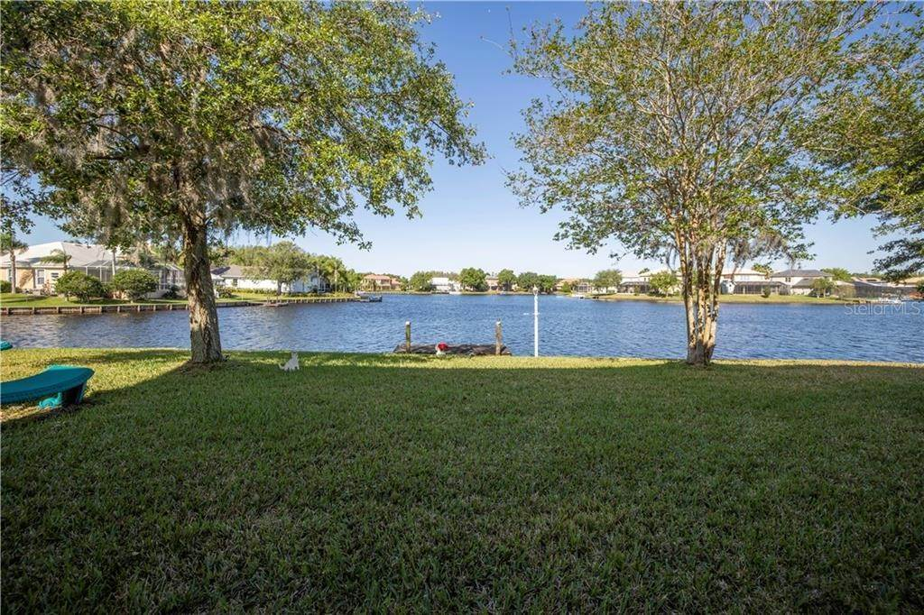 17. Single Family Homes for Sale at 18020 JAVA ISLE DRIVE Tampa, Florida 33647 United States