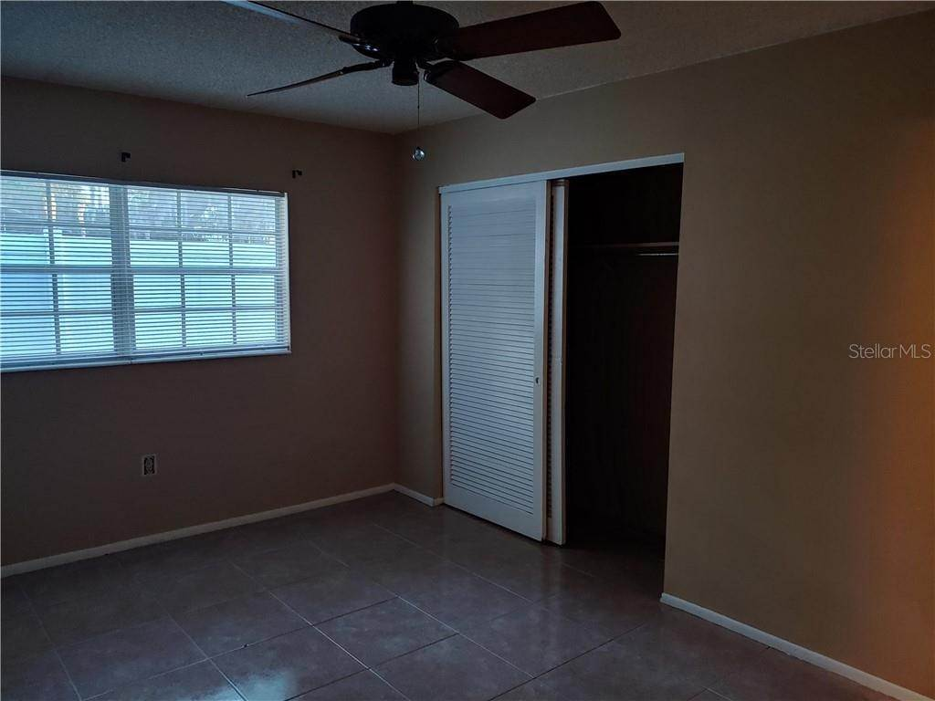 9. Condominiums for Sale at 525 CONWAY ROAD 9 Orlando, Florida 32807 United States