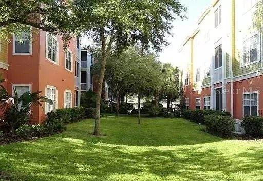 20. Condominiums for Sale at 4207 S DALE MABRY HIGHWAY 10107 Tampa, Florida 33611 United States