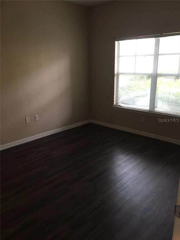 6. Condominiums for Sale at 4207 S DALE MABRY HIGHWAY 10107 Tampa, Florida 33611 United States
