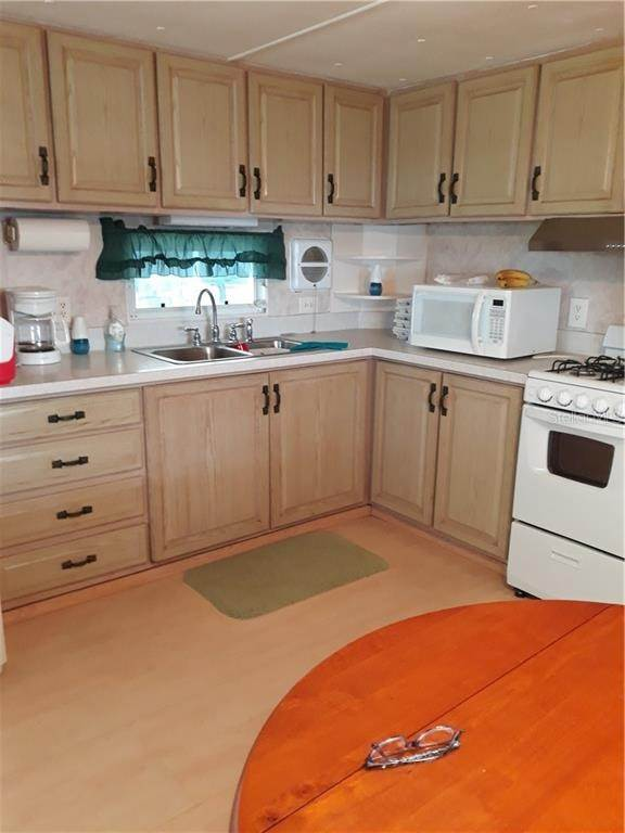 5. Mobile Homes for Sale at 6580 SEMINOLE BOULEVARD 640 Seminole, Florida 33772 United States