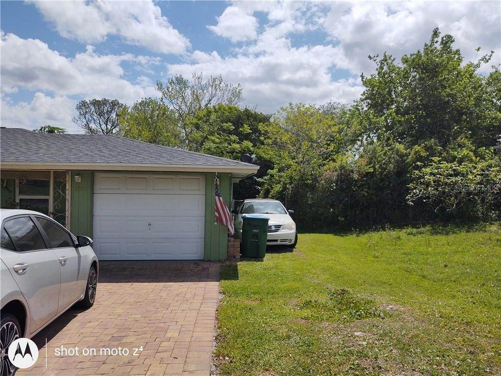 2. Single Family Homes for Sale at 1505 PROVIDENCE BOULEVARD Deltona, Florida 32725 United States