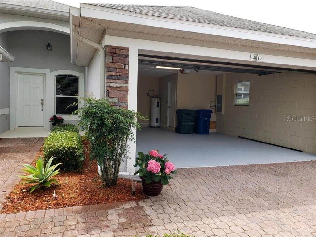 7. Single Family Homes for Sale at 4019 CARTERET DRIVE Winter Haven, Florida 33884 United States