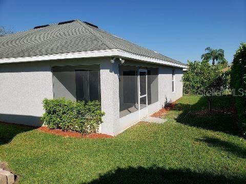 8. Single Family Homes for Sale at 4019 CARTERET DRIVE Winter Haven, Florida 33884 United States