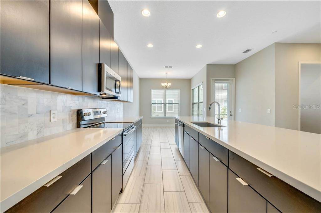 9. townhouses at 13555 HEANEY AVENUE Orlando, Florida 32827 United States
