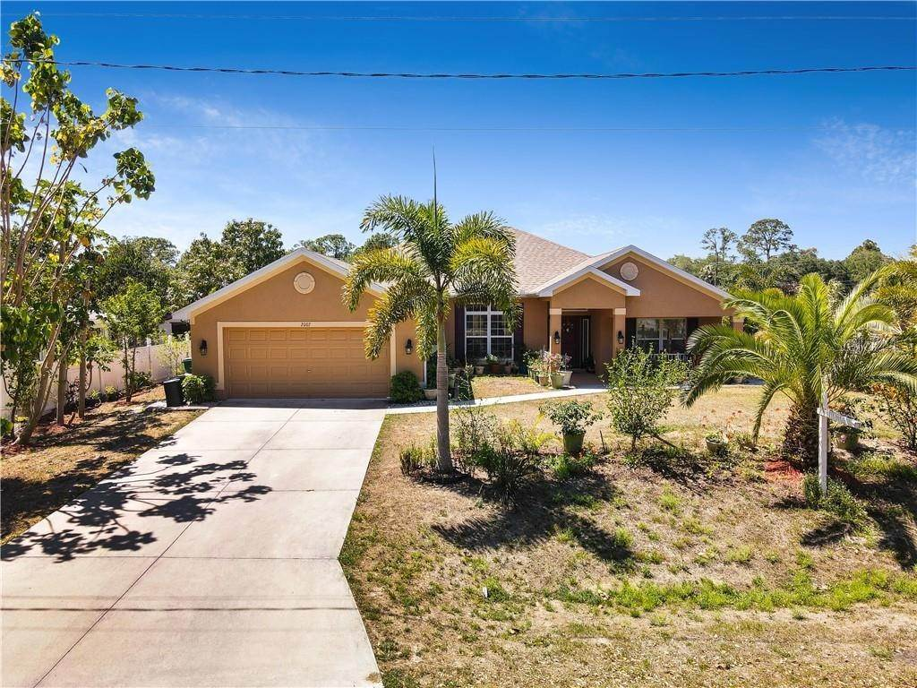 Single Family Homes for Sale at 2007 BENDWAY DRIVE Port Charlotte, Florida 33948 United States