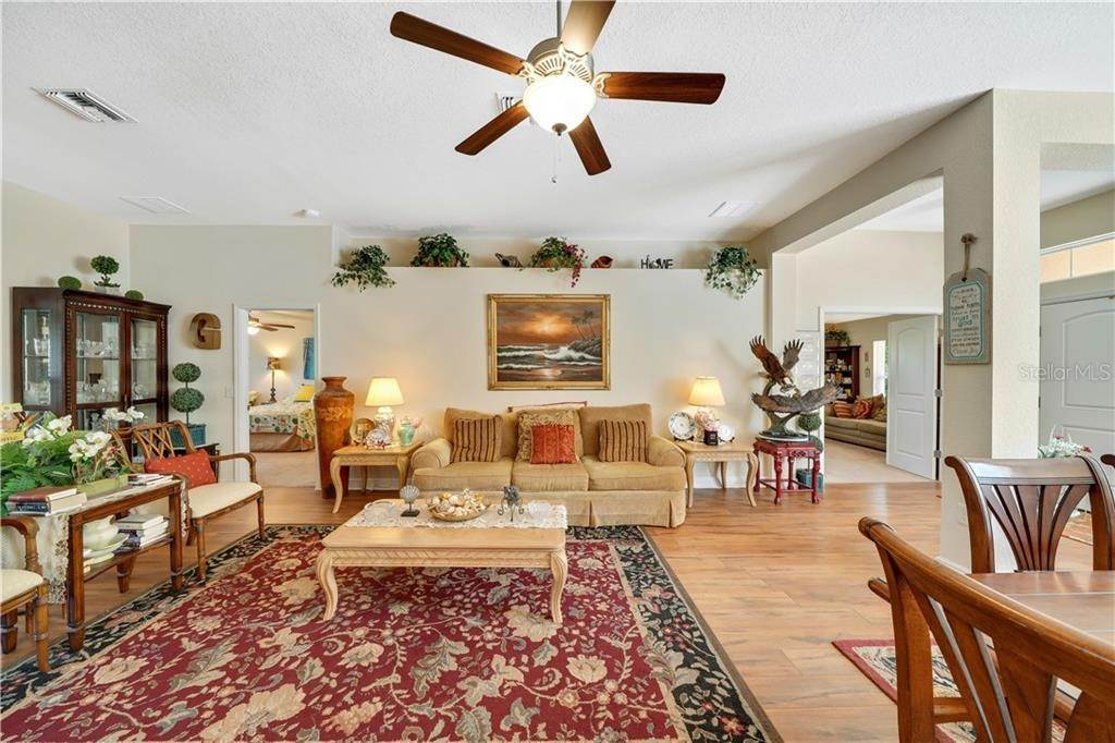 20. Single Family Homes for Sale at 2007 BENDWAY DRIVE Port Charlotte, Florida 33948 United States