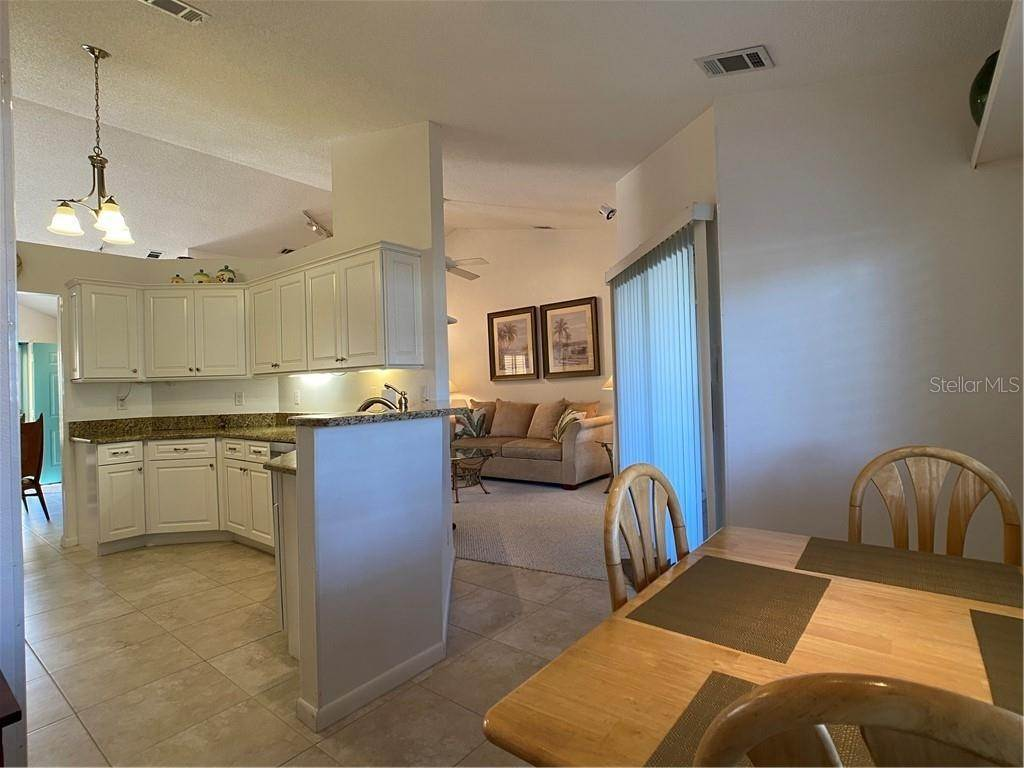 11. Condominiums for Sale at 602 TYSON TERRACE 2 Venice, Florida 34285 United States