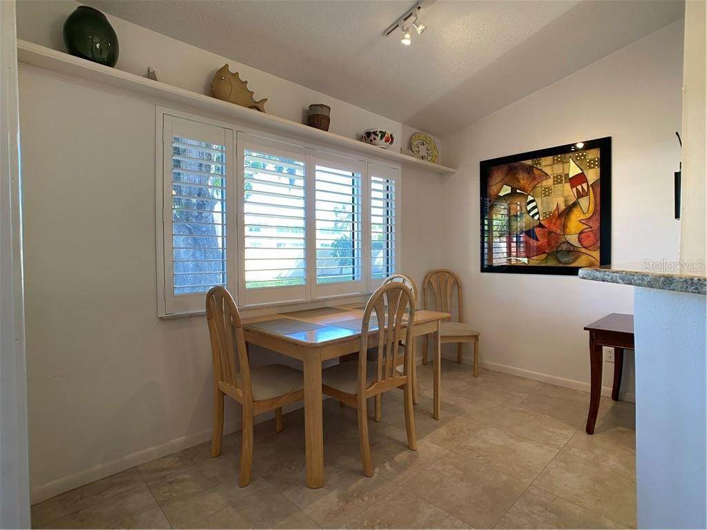 15. Condominiums for Sale at 602 TYSON TERRACE 2 Venice, Florida 34285 United States