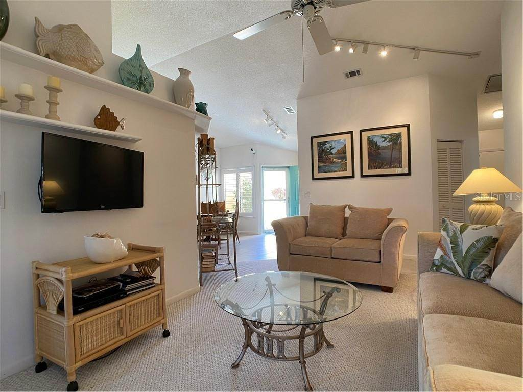 17. Condominiums for Sale at 602 TYSON TERRACE 2 Venice, Florida 34285 United States