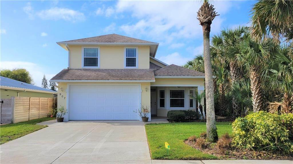 Single Family Homes for Sale at 907 LOCUST STREET New Smyrna Beach, Florida 32169 United States
