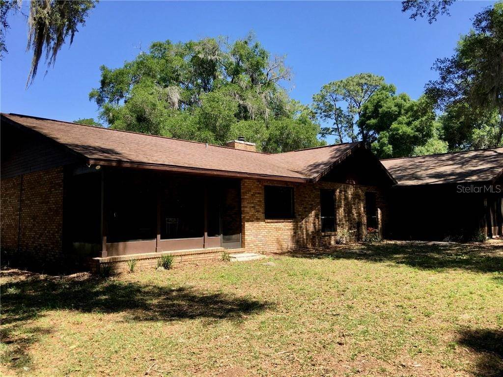 12. Single Family Homes for Sale at 1003 HILLTOP STREET Fruitland Park, Florida 34731 United States