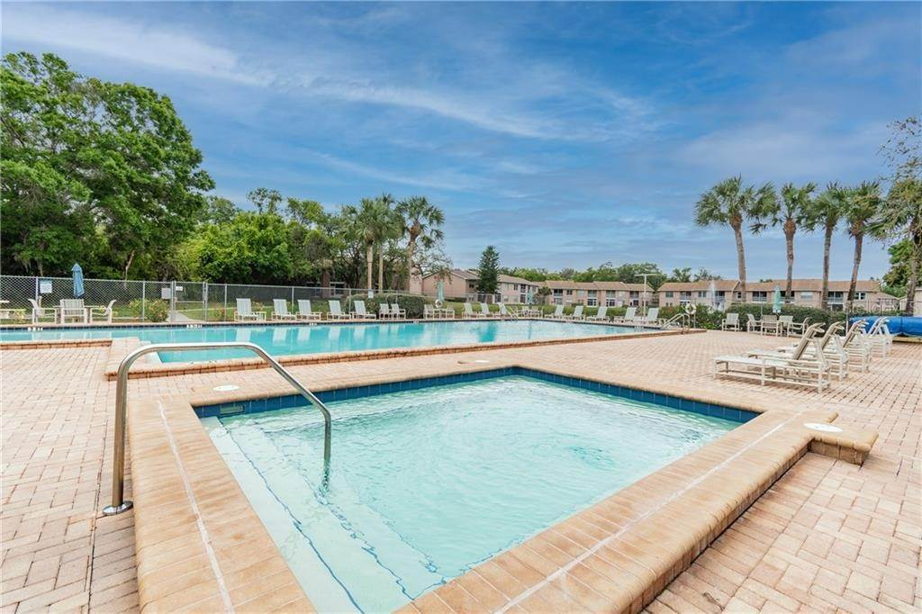 15. Condominiums for Sale at 4916 SUNNYBROOK DRIVE 24 New Port Richey, Florida 34653 United States