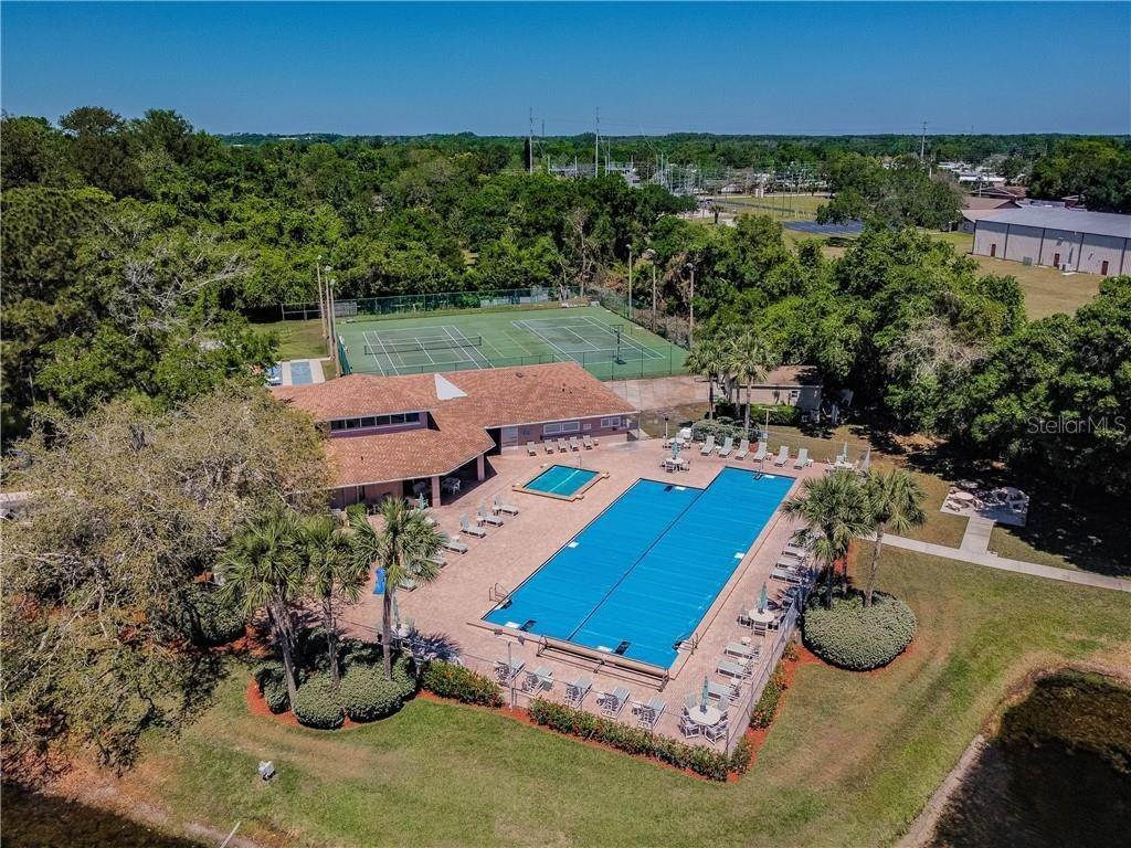 18. Condominiums for Sale at 4916 SUNNYBROOK DRIVE 24 New Port Richey, Florida 34653 United States