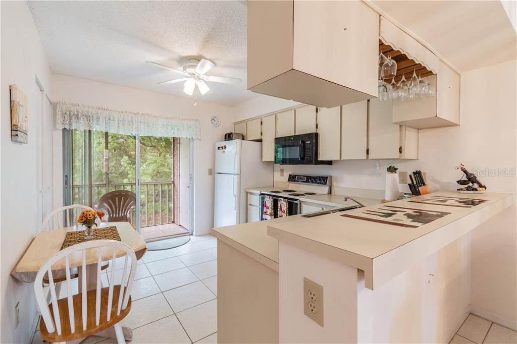 6. Condominiums for Sale at 4916 SUNNYBROOK DRIVE 24 New Port Richey, Florida 34653 United States