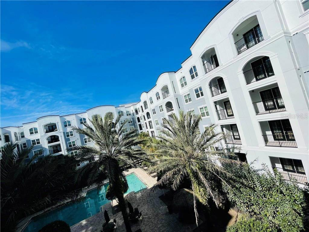 3. Condominiums for Sale at 202 E SOUTH STREET 2042 Orlando, Florida 32801 United States