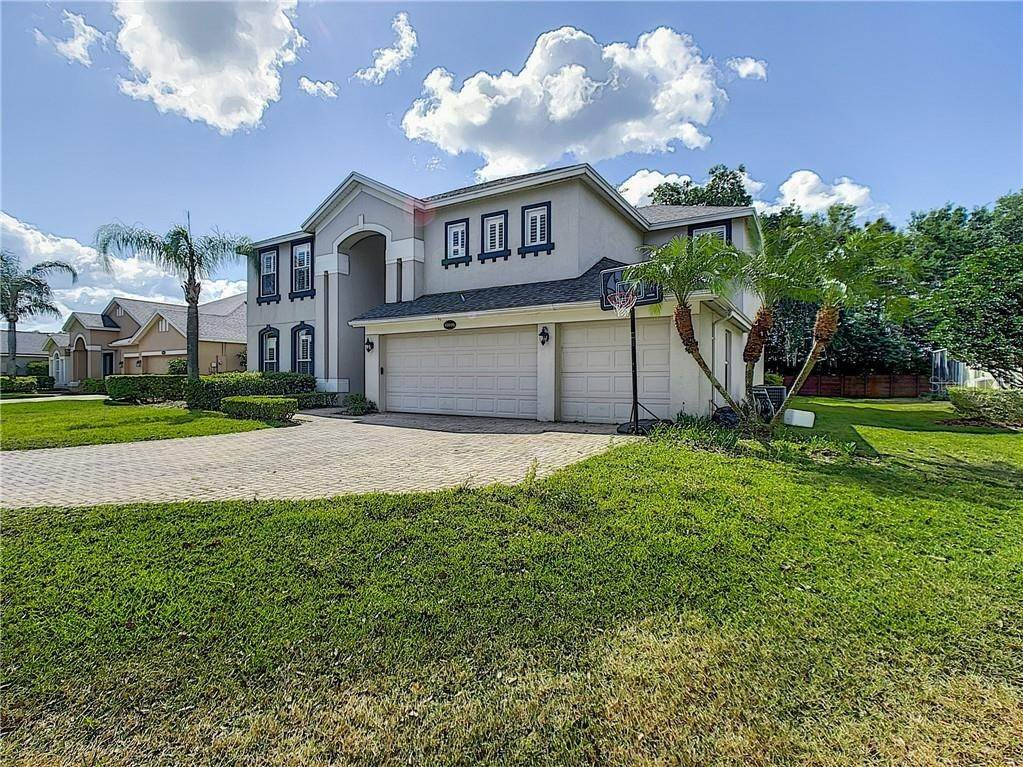 15. Single Family Homes for Sale at 13850 GLYNSHEL DRIVE Winter Garden, Florida 34787 United States