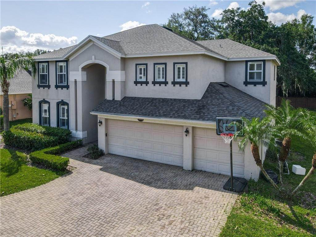 8. Single Family Homes for Sale at 13850 GLYNSHEL DRIVE Winter Garden, Florida 34787 United States