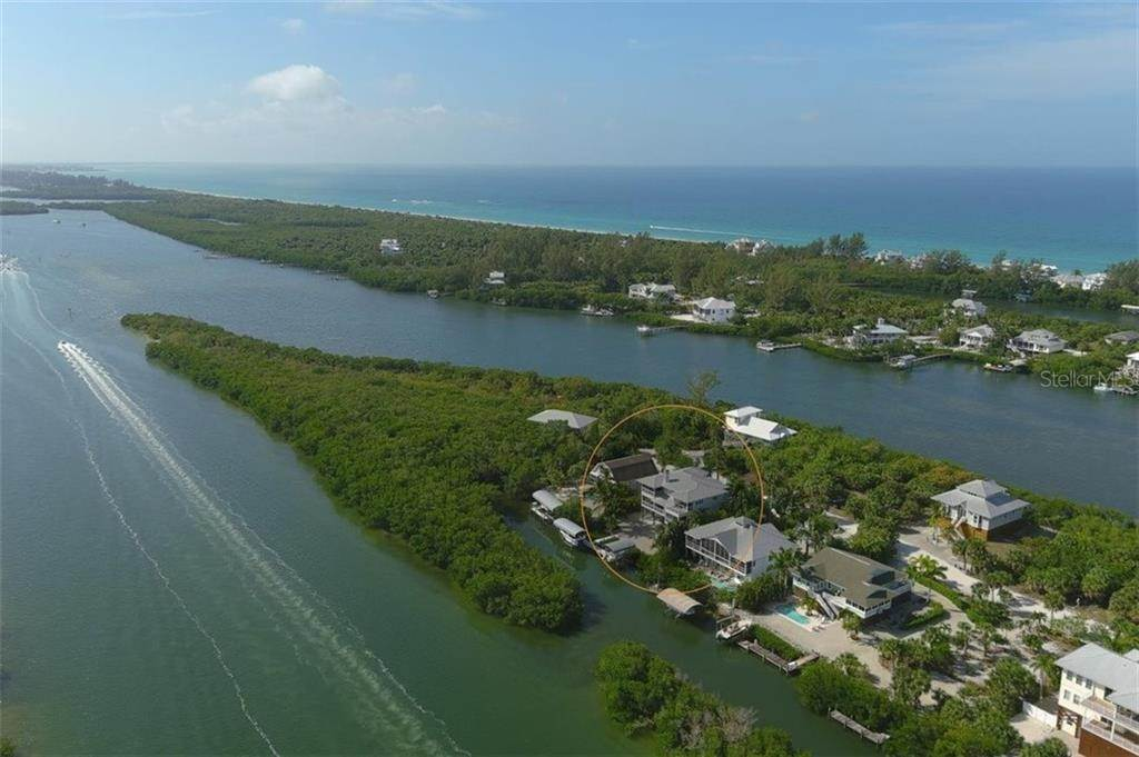 3. Single Family Homes for Sale at 470 KETTLE HARBOR DRIVE Placida, Florida 33946 United States