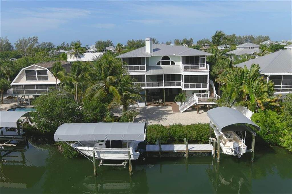 5. Single Family Homes for Sale at 470 KETTLE HARBOR DRIVE Placida, Florida 33946 United States