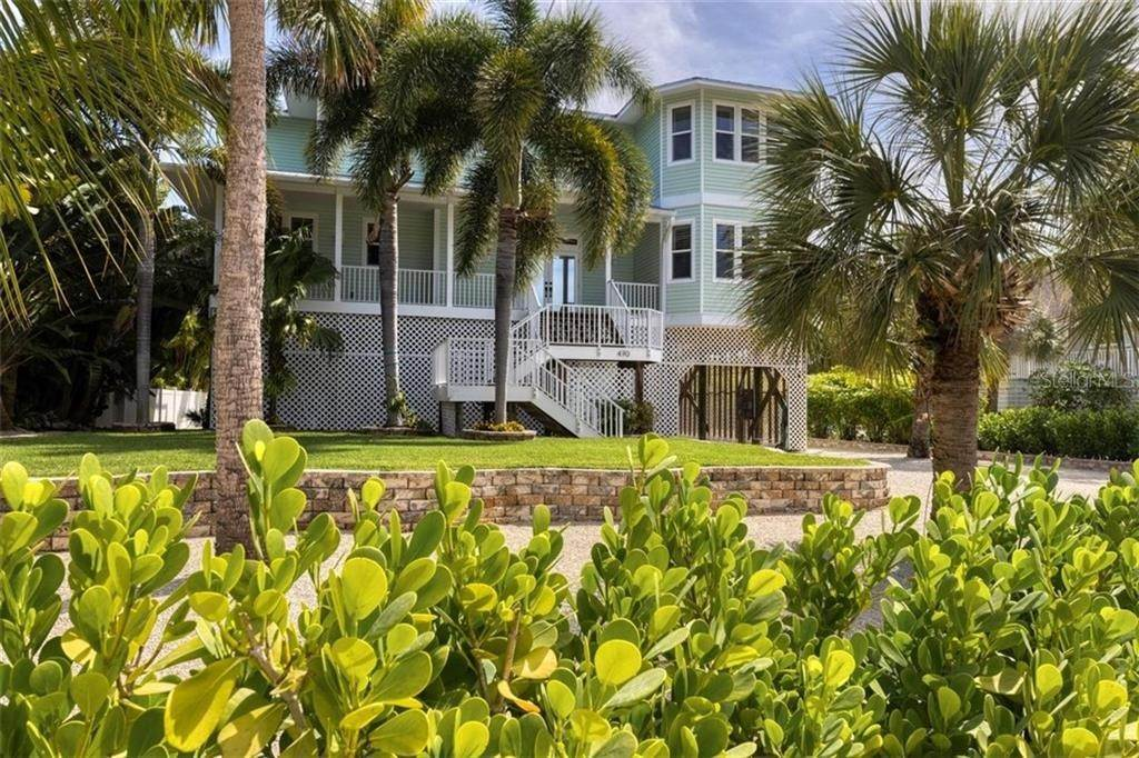 6. Single Family Homes for Sale at 470 KETTLE HARBOR DRIVE Placida, Florida 33946 United States