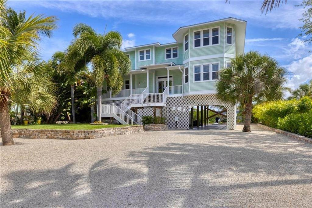 7. Single Family Homes for Sale at 470 KETTLE HARBOR DRIVE Placida, Florida 33946 United States