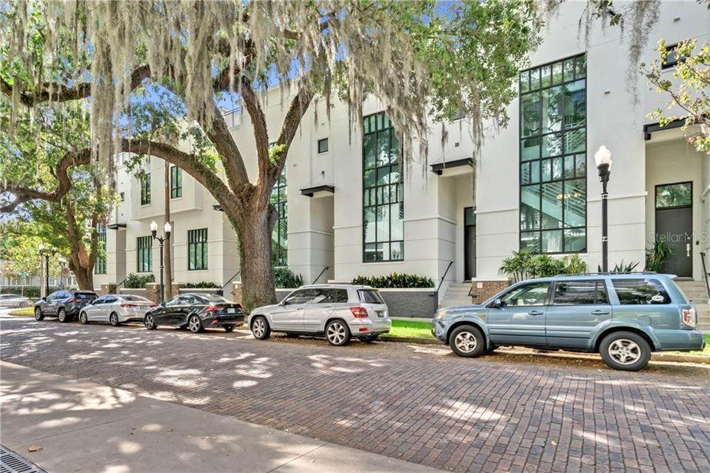 2. Condominiums for Sale at 460 E JACKSON STREET 2 Orlando, Florida 32801 United States