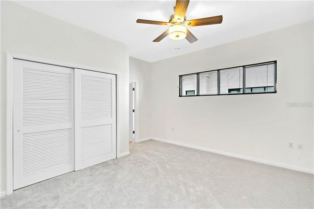 14. Condominiums for Sale at 460 E JACKSON STREET 2 Orlando, Florida 32801 United States
