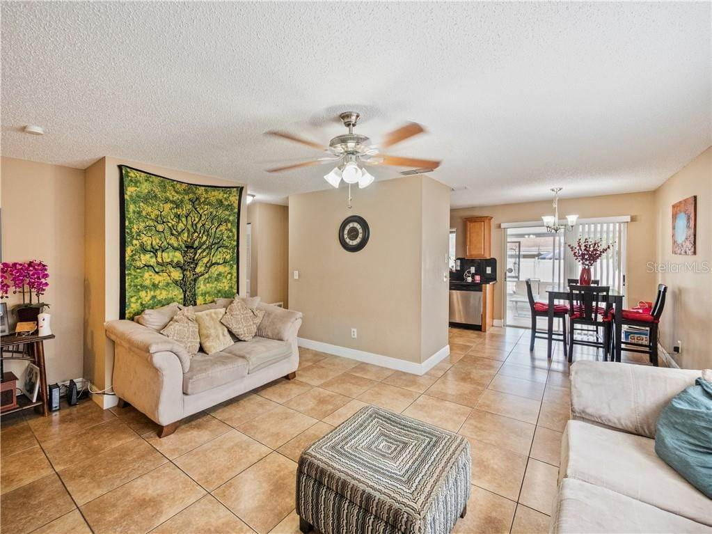 8. Single Family Homes for Sale at 11331 CARDIFF DRIVE Orlando, Florida 32837 United States