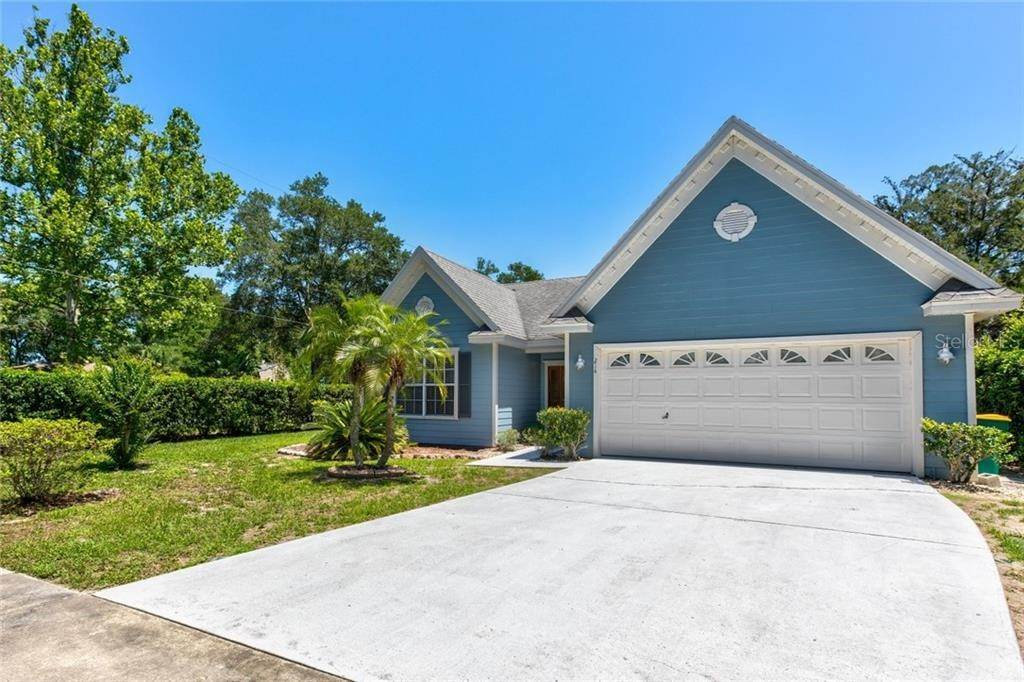 2. Single Family Homes at 214 PINECREST ROAD Mount Dora, Florida 32757 United States