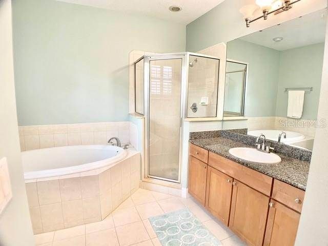 13. townhouses for Sale at 3025 W GROVEWOOD COURT B Tampa, Florida 33629 United States