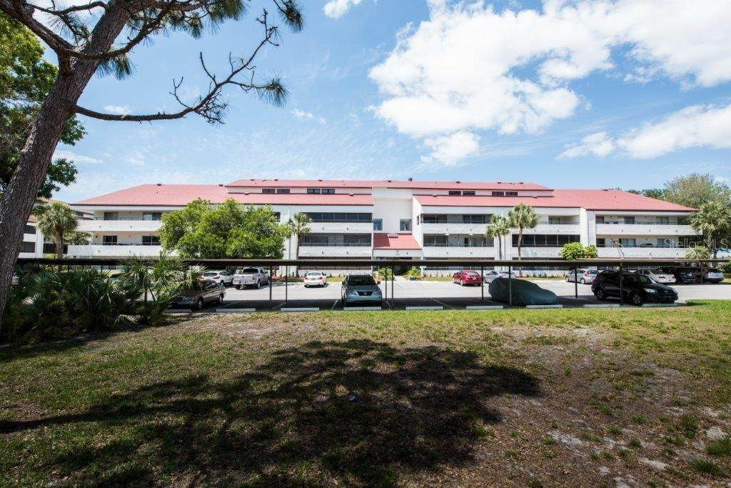 2. Condominiums for Sale at 2583 COUNTRYSIDE BOULEVARD 3201 Clearwater, Florida 33761 United States
