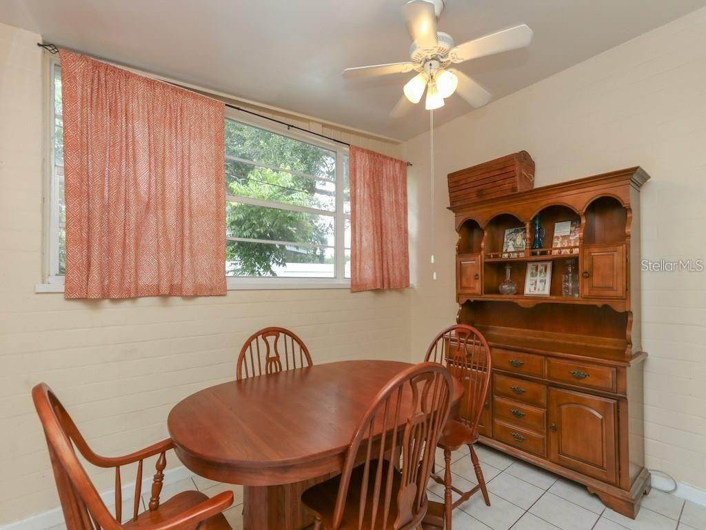 13. Single Family Homes for Sale at 2318 MULBRY DRIVE Winter Park, Florida 32789 United States