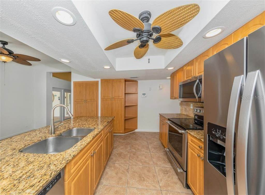 17. Single Family Homes for Sale at 21073 EDGEWATER DRIVE Port Charlotte, Florida 33952 United States