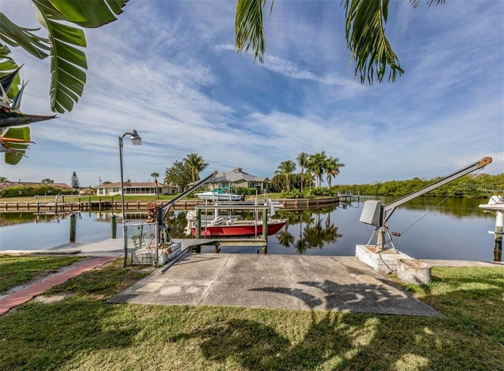 6. Single Family Homes for Sale at 21073 EDGEWATER DRIVE Port Charlotte, Florida 33952 United States
