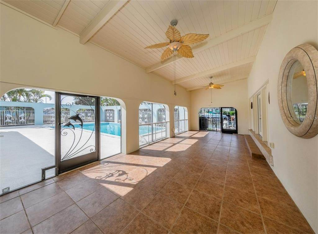 9. Single Family Homes for Sale at 21073 EDGEWATER DRIVE Port Charlotte, Florida 33952 United States