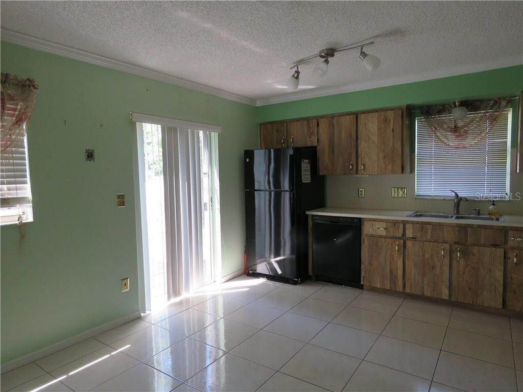 3. Condominiums for Sale at 6039 ELMHURST DR 6A New Port Richey, Florida 34653 United States