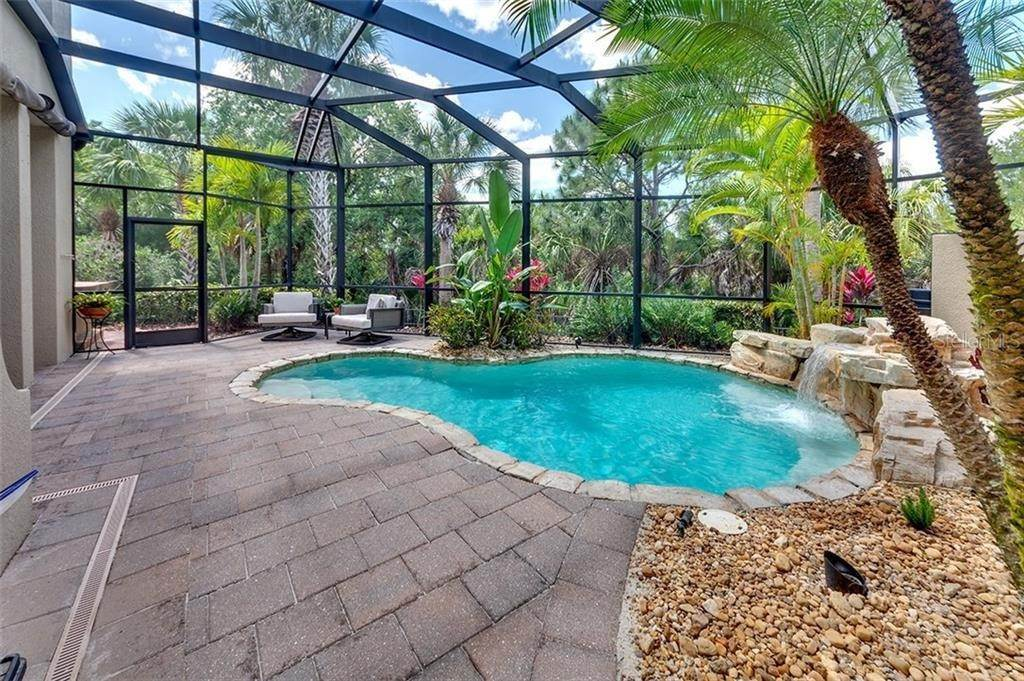 4. Condominiums for Sale at 1045 FISH HOOK COVE Bradenton, Florida 34212 United States