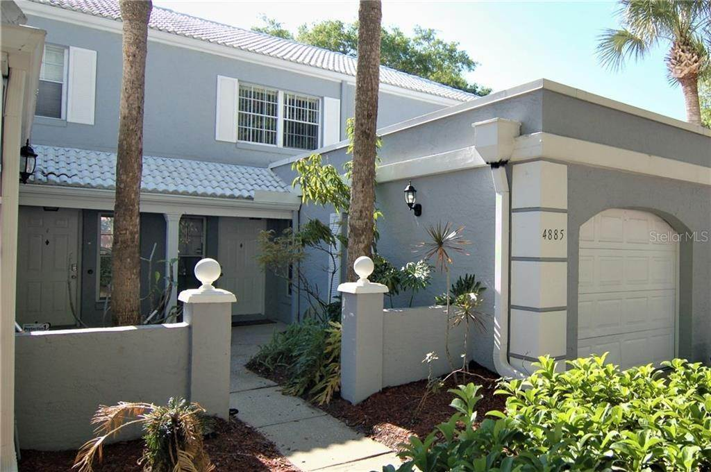 Condominiums for Sale at 4885 WALDEN CIRCLE 68 Orlando, Florida 32811 United States