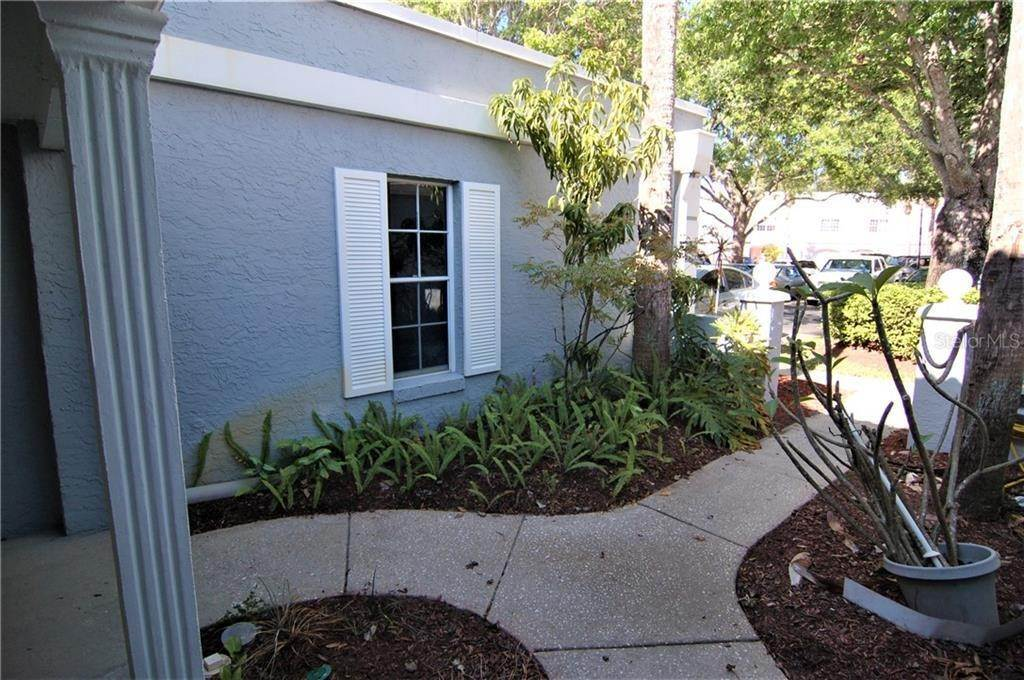 3. Condominiums for Sale at 4885 WALDEN CIRCLE 68 Orlando, Florida 32811 United States