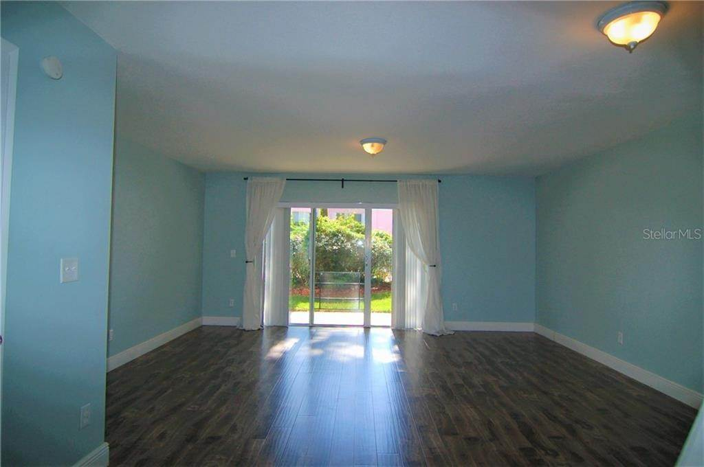 5. Condominiums for Sale at 4885 WALDEN CIRCLE 68 Orlando, Florida 32811 United States