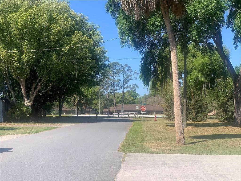 4. Land for Sale at 101 W GRIFFIN STREET Fruitland Park, Florida 34731 United States