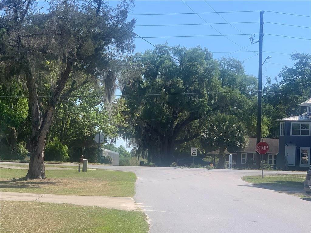 5. Land for Sale at 101 W GRIFFIN STREET Fruitland Park, Florida 34731 United States