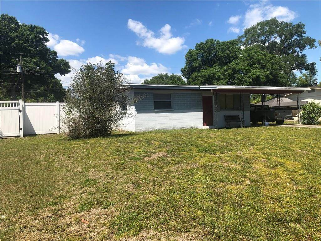 4. Single Family Homes for Sale at 5600 PERSHING STREET NE St. Petersburg, Florida 33703 United States