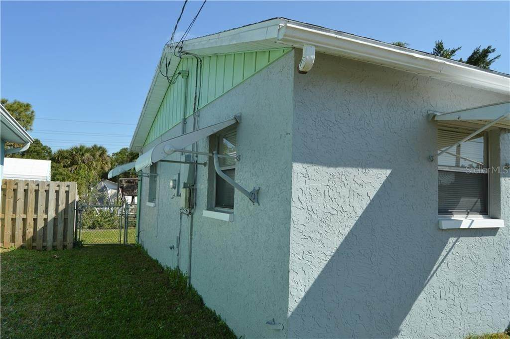 3. Single Family Homes for Sale at 7319 SHEEPSHEAD DRIVE Hudson, Florida 34667 United States