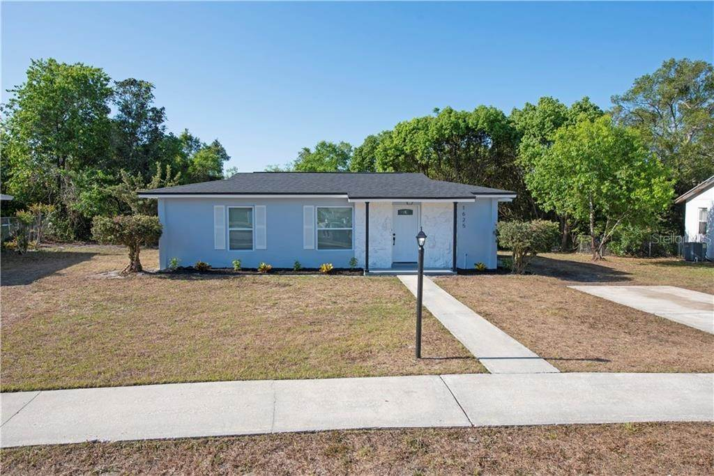 Single Family Homes for Sale at 1625 S PAGE DRIVE Deltona, Florida 32725 United States