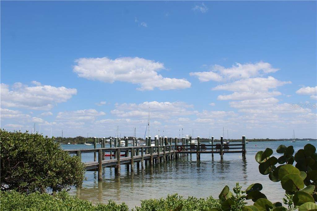 6. Commercial for Sale at 115 3RD STREET S Bradenton Beach, Florida 34217 United States