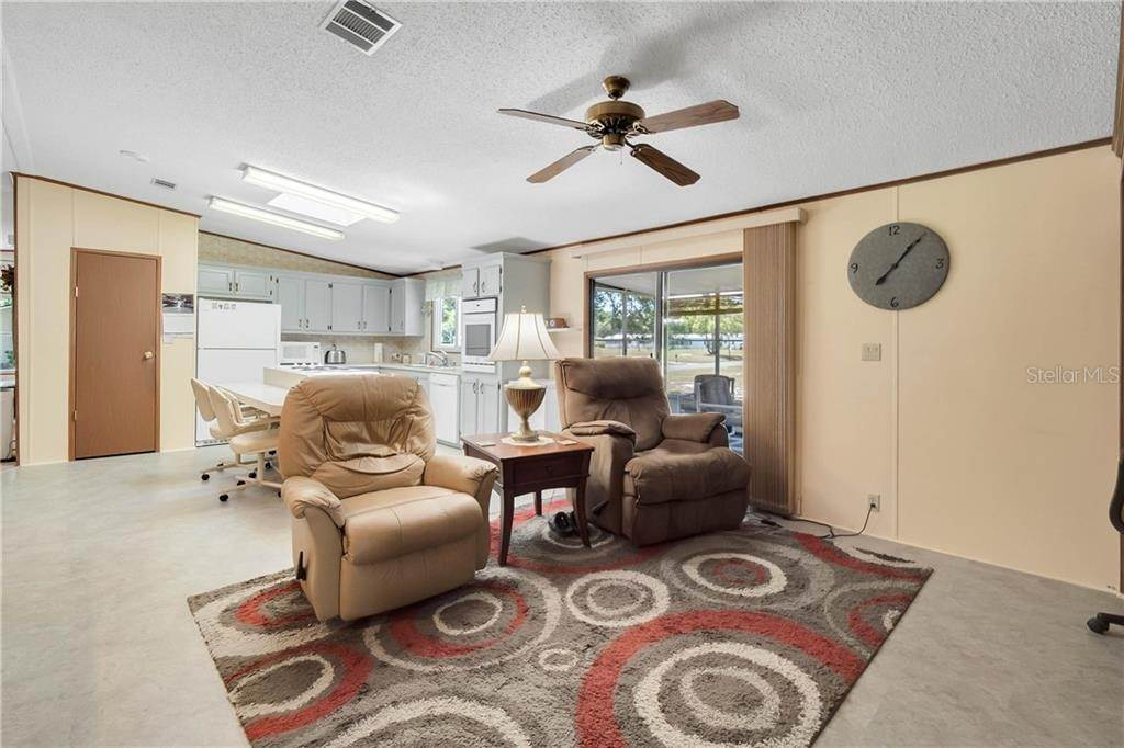 13. Manufactured Home for Sale at 25525 BELLE ALLIANCE Leesburg, Florida 34748 United States